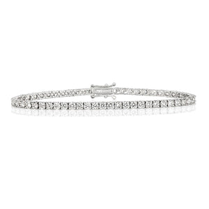 2.20ct [78] Round Cut Diamond Tennis Bracelet set in 18kt White Gold