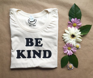 Be Kind - Women's Tee