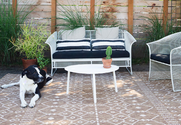 5 Ways to Style Your Outdoor Rug