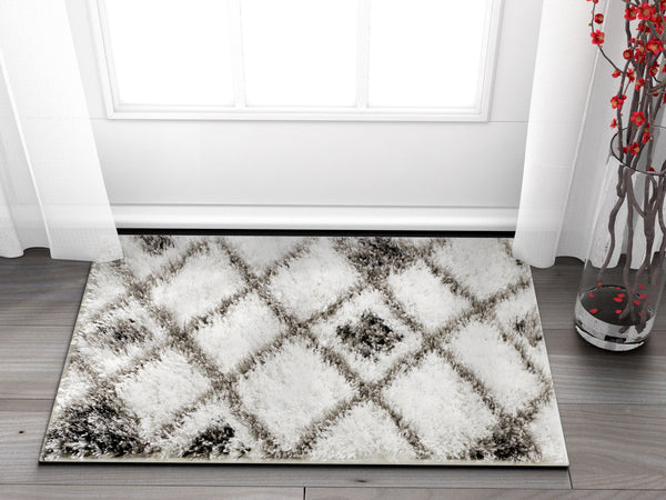 Outstanding White Modern Moroccan Shag Rug