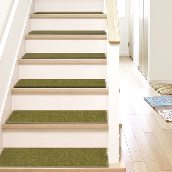 "Warby Modern Green Non Slip 9"" x 31"" Stair Tread (Set of 7)"