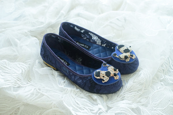 LACE FLAT SHOES WITH POODLE ENAMEL SWAROVSKI CHARM - NAVY