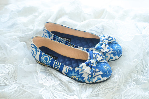 PORCELAIN SATIN FLAT SHOES WITH RIBBONS - BLUE