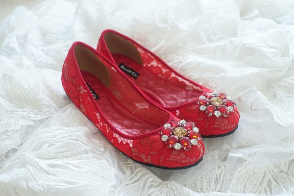 DOLCEA LACE FLAT SHOES WITH SWAROVSKI CRYSTAL - RED
