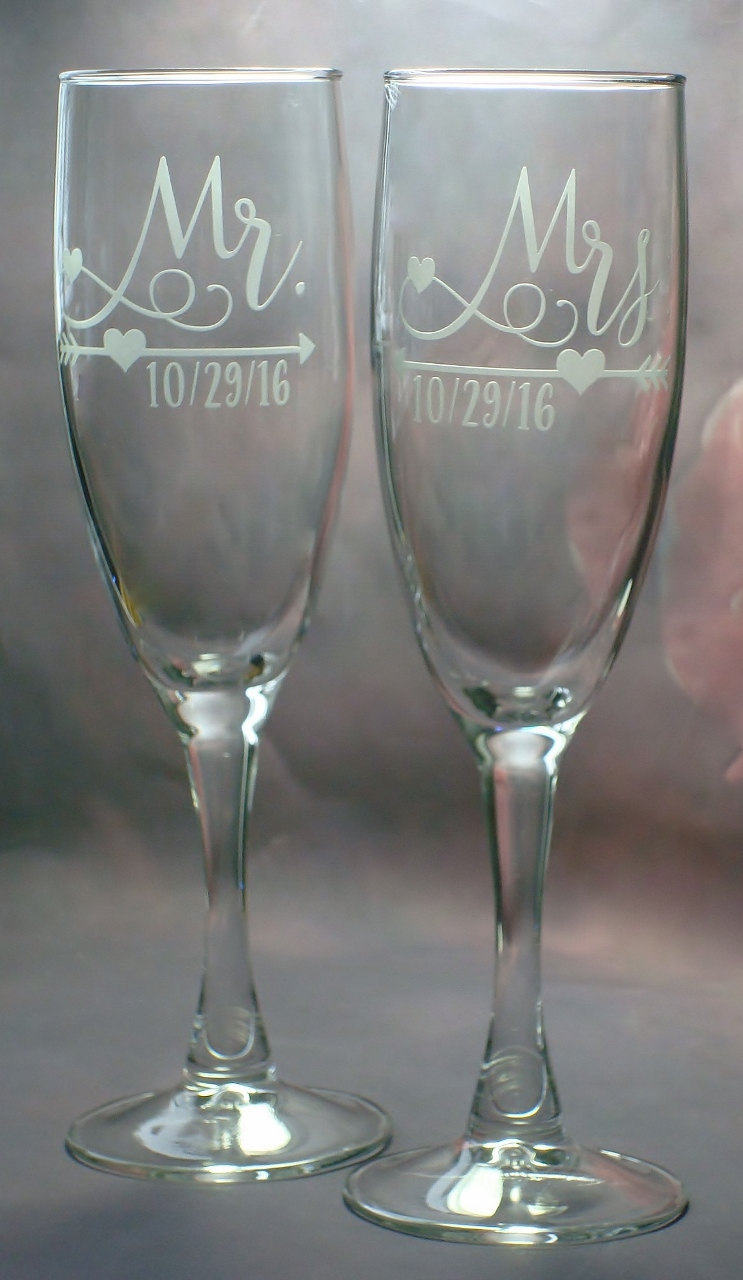 Mr and Mrs Personalized Bridal Shower Arrow and Heart Design Wedding Couple Toasting Flutes Champagne Glasses | Love Theme Wedding Flutes