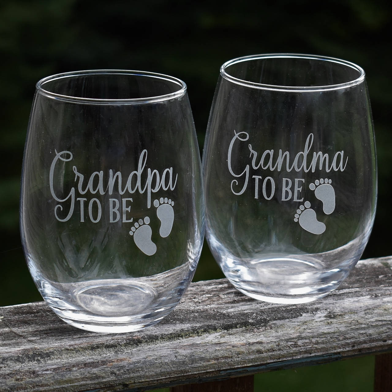 Grandparent Gifts Grandma To Be Grandpa To Be Pregnancy Reveal Stem Less Wine Glass Set Pregnancy Reveal