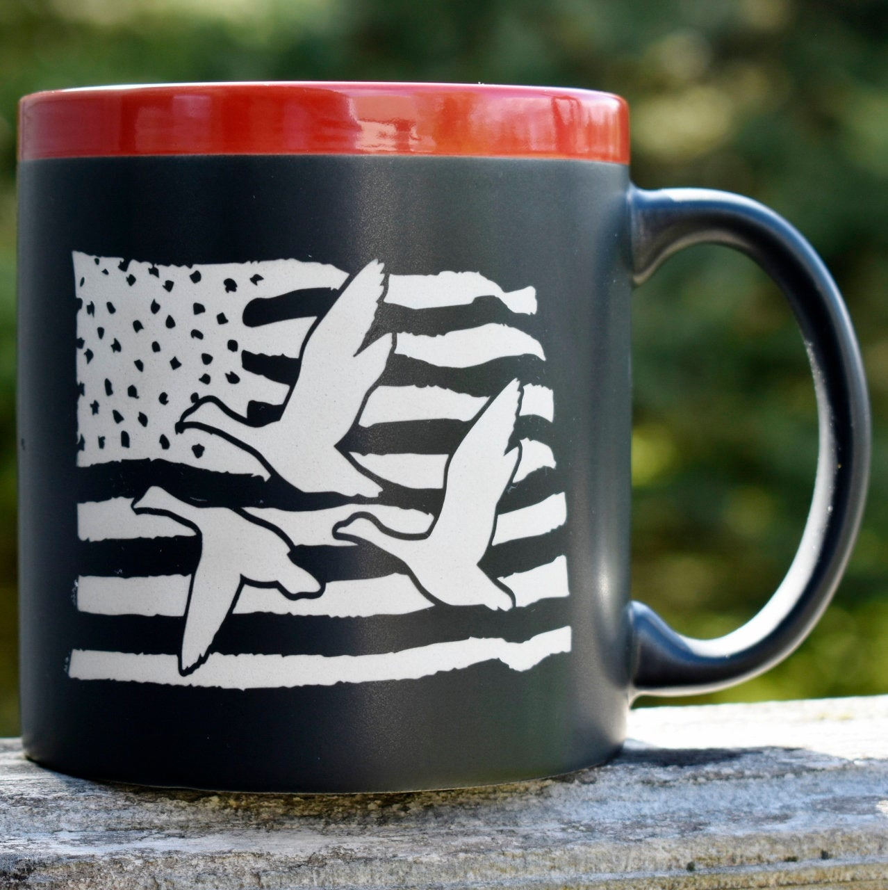 USA Flag with Ducks 22 oz Coffee Mug Outdoor Lover Gift Duck Hunter Gift for Dad
