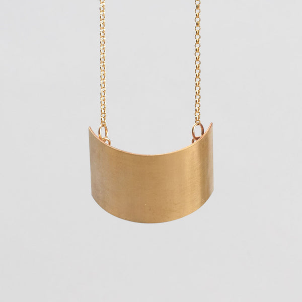 Curve Cusp Necklace
