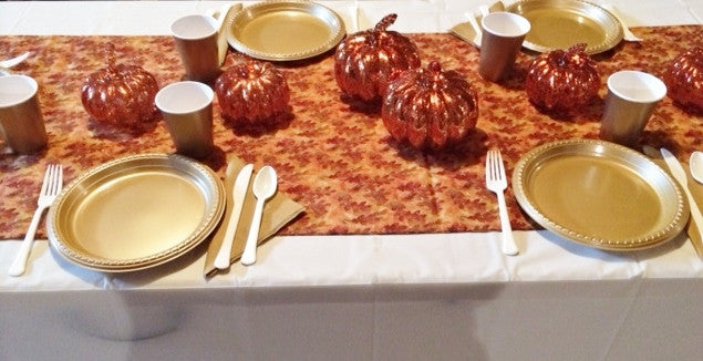 GLISTENING LEAVES & PUMPKINS TABLESCAPE includes TABLESETTING