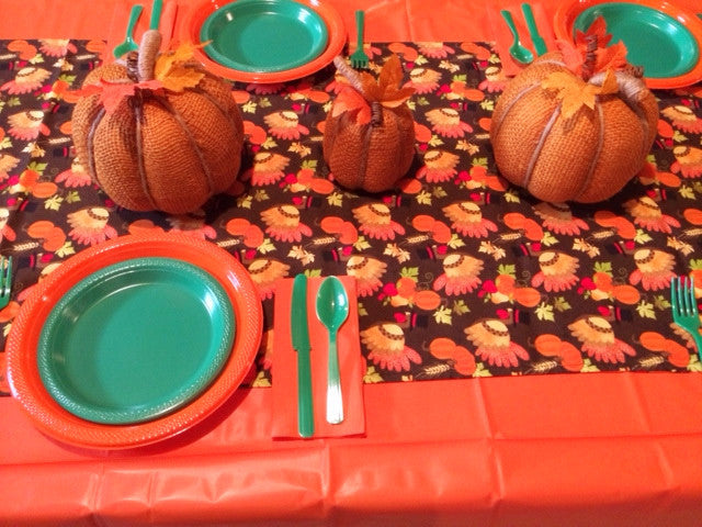 TURKEY FUN TABLESCAPE includes - TABLESETTING