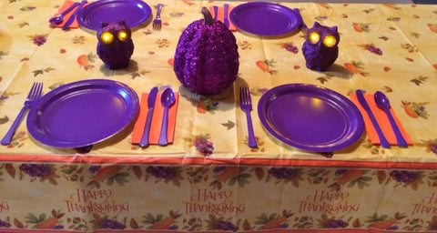 HAPPY THANKSGIVING PUMPKIN TABLESCAPE includes TABLESETTING