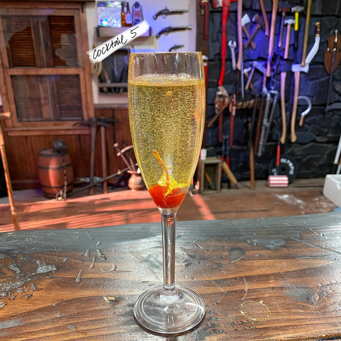 Backlot FX Display Cocktail Glass Replica Drink Prop - Cocktail 5