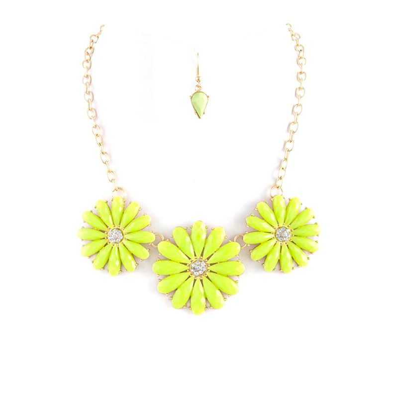 Bloom Necklace Set - Jewelry Buzz Box  - 3