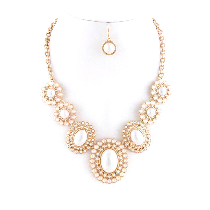 Close-Up Ready Necklace Set
