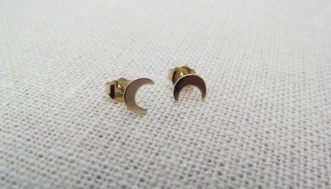 14K Solid Gold Crescent Moon Stud Earrings