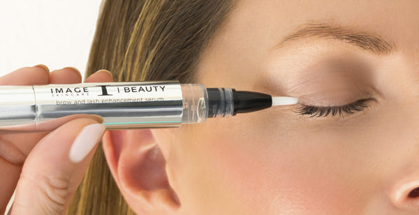 What to Look for in a Brow and Lash Serum