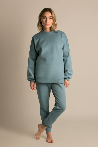 Fleece Aqua|Model is 5'6 (32B) and wearing Small - Lazy Sunday Sweatshirt|STL-2