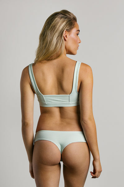 Menthe|Model is 5'6 (25) and wearing small - Bootykini|STL-1