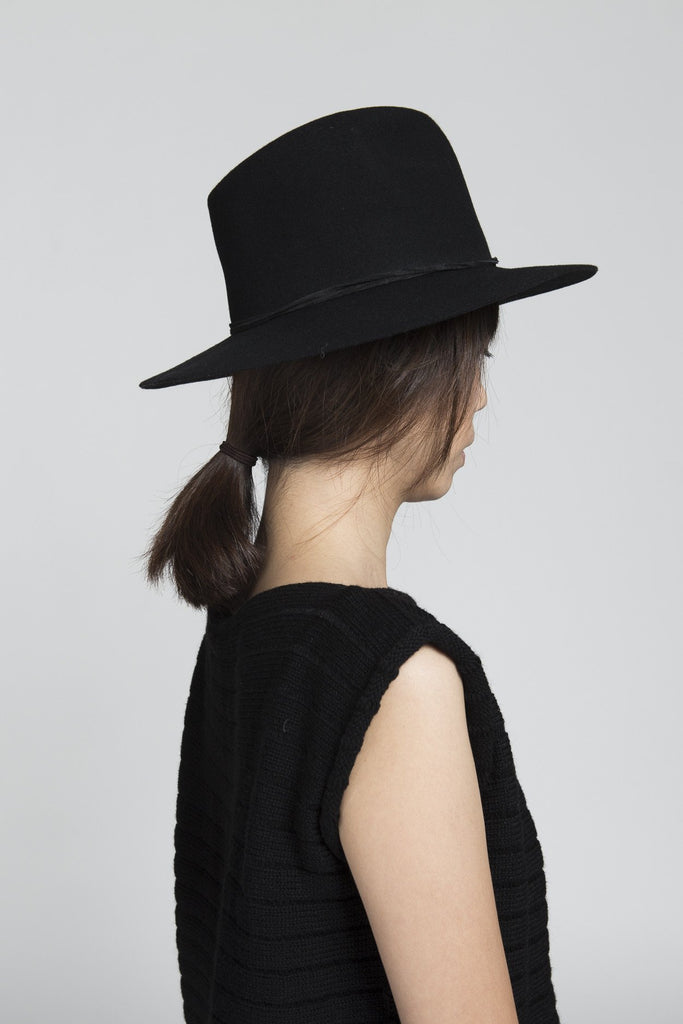 Pinch Hat in Black