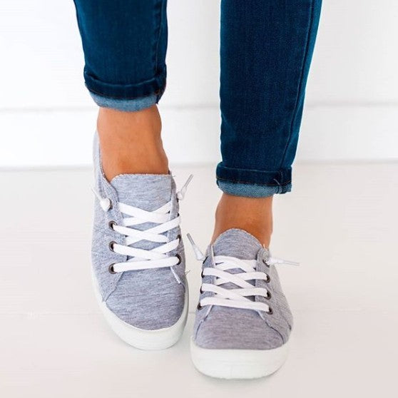 Canvas Sneakers in Gray