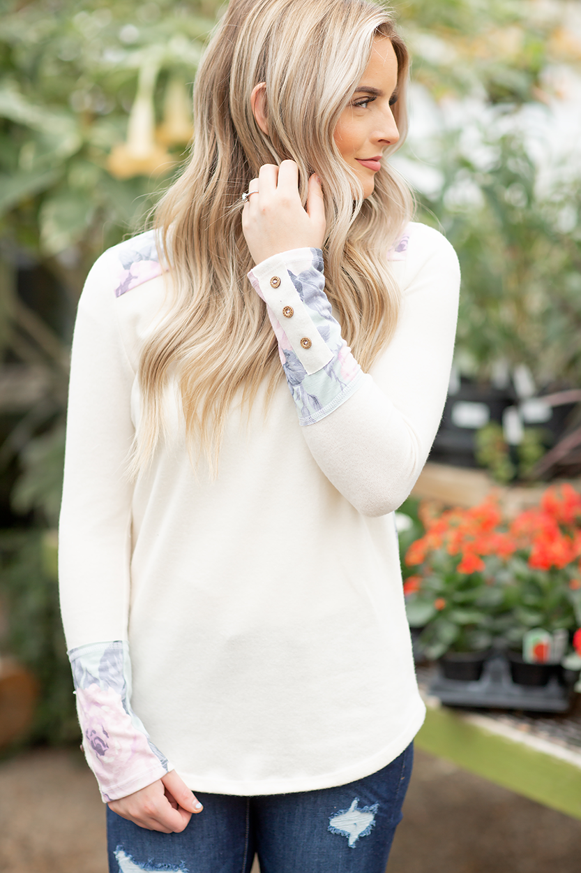 Back Roads Floral Top in Cream
