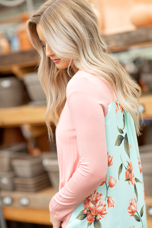 Lovely Day Floral Top in Coral