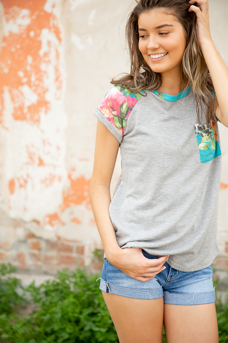 California Dreamin' Floral Tee in Gray