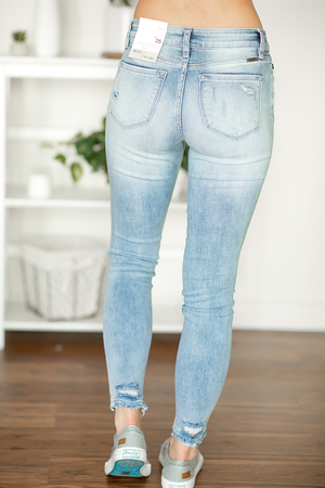KanCan Look In Your Eyes Light Wash Jeans
