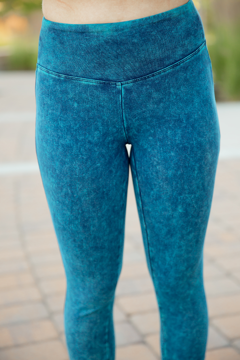 Go Ahead Now Bleached Leggings in Turquoise