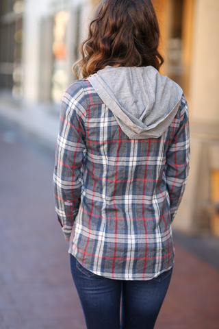 Comfy Casual Gray Flannel Plaid Button Up
