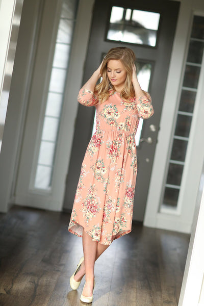 Break Time Floral Dress in Peach