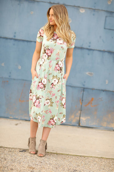 Just Getting Started Floral Dress in Mint