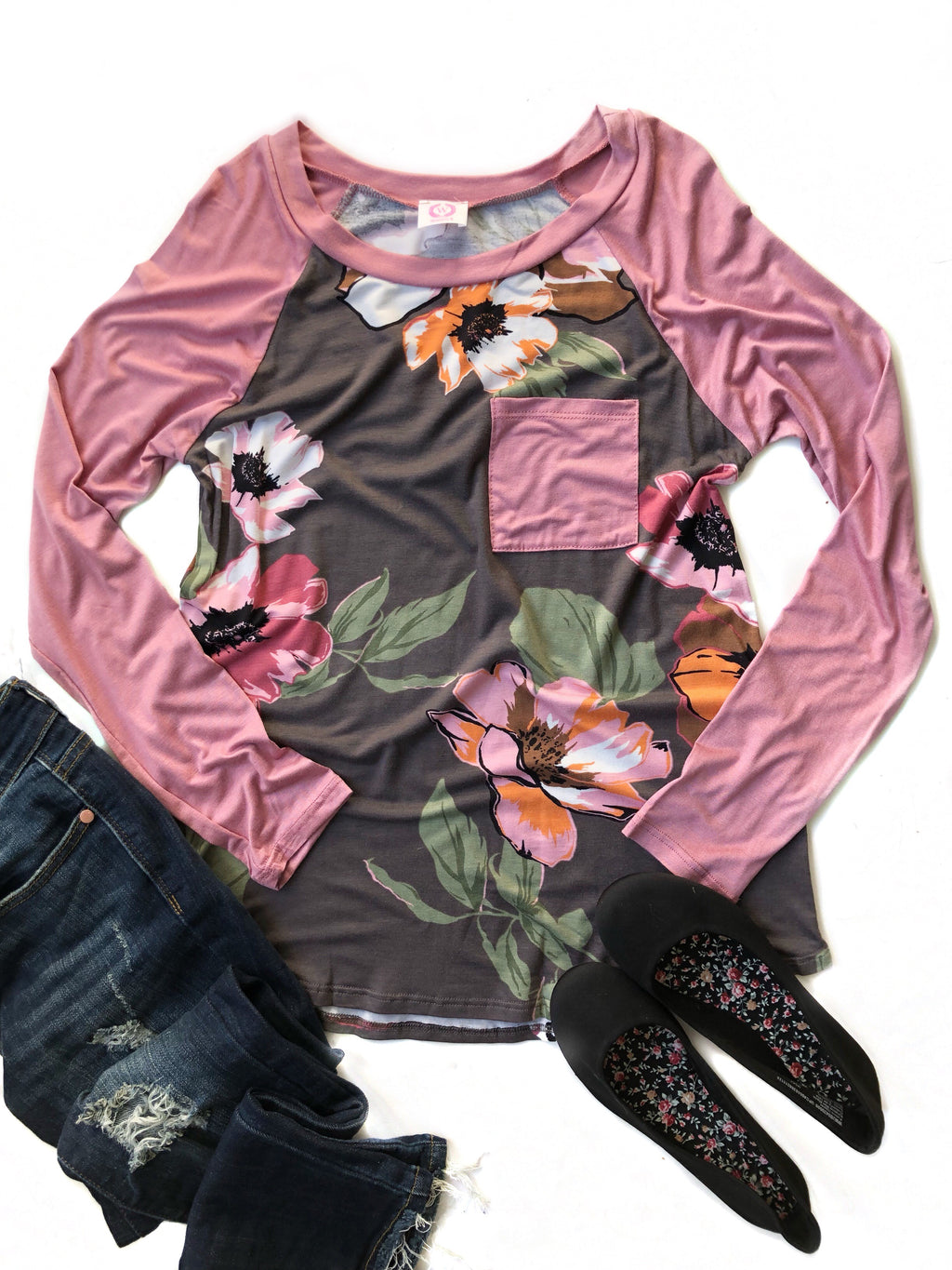 Girl's Night Out Floral Top With Mauve Sleeves and Pocket