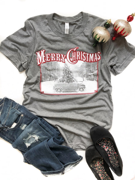 Merry Christmas Graphic Tee in Gray