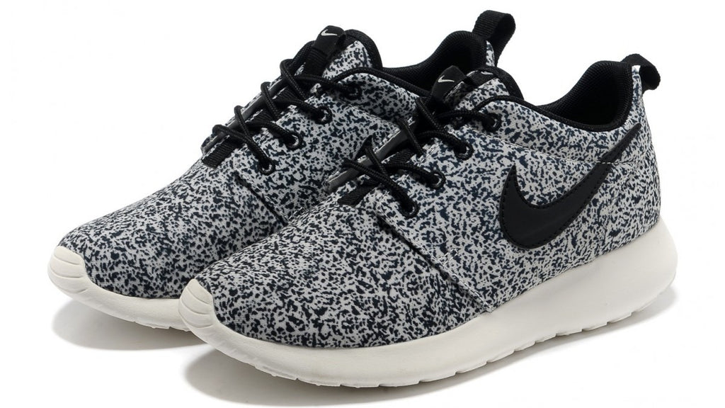 cheap for discount 4fcf8 5eaa7 Nike Womens Roshe Run Floral Pack Black Sail