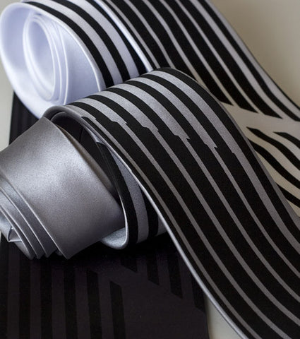 Broken Stripe Silk Necktie