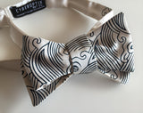 Cream and navy crashing waves bow tie