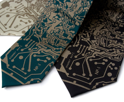 Circuit Board Necktie: Short Circuit Tie