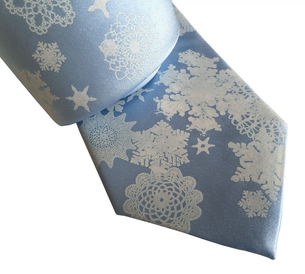 How to tie a snowflake