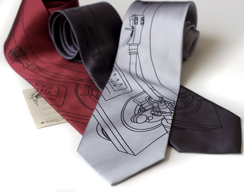 Turntable Silk Necktie