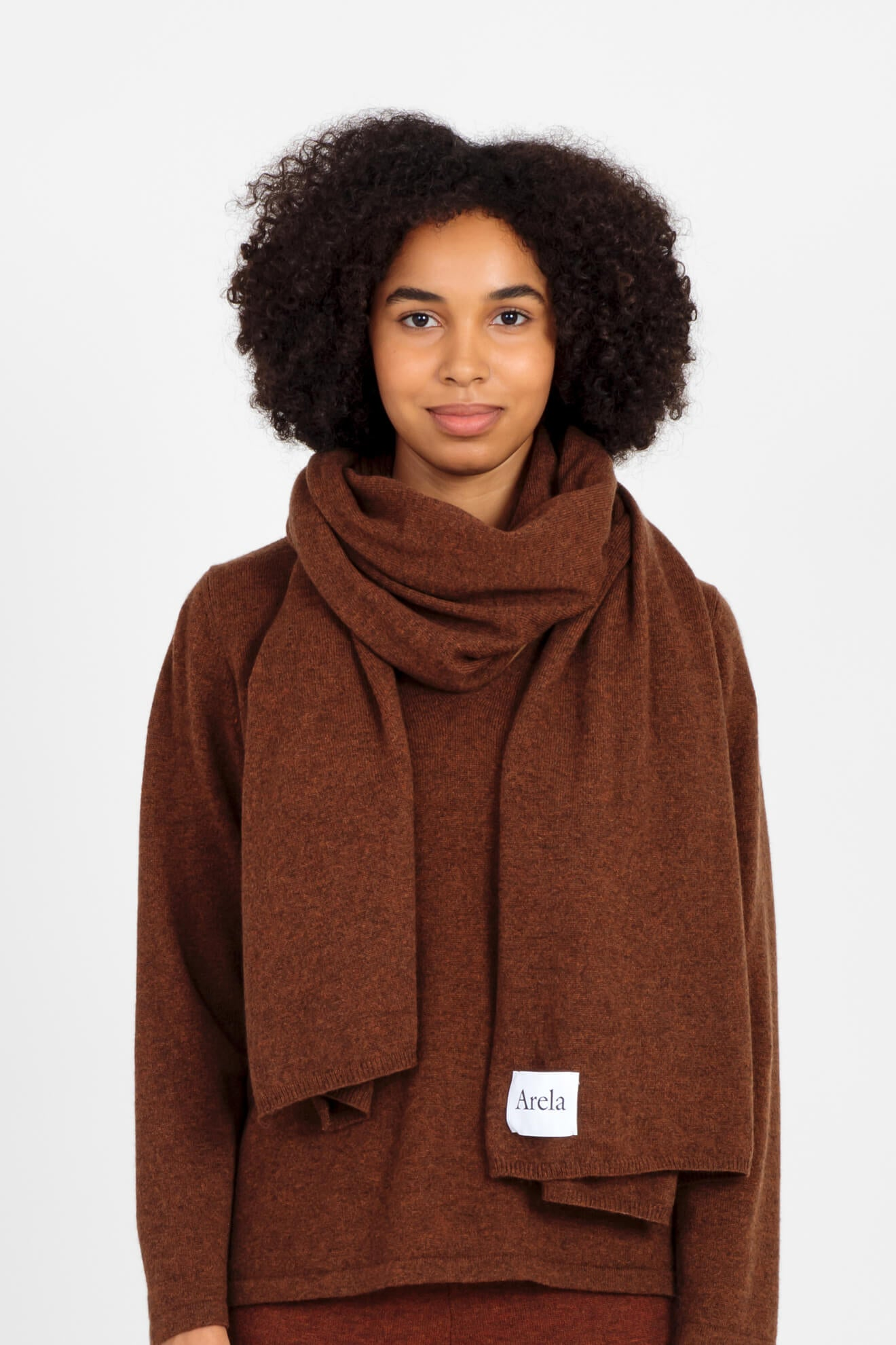 Alma cashmere scarf in brown