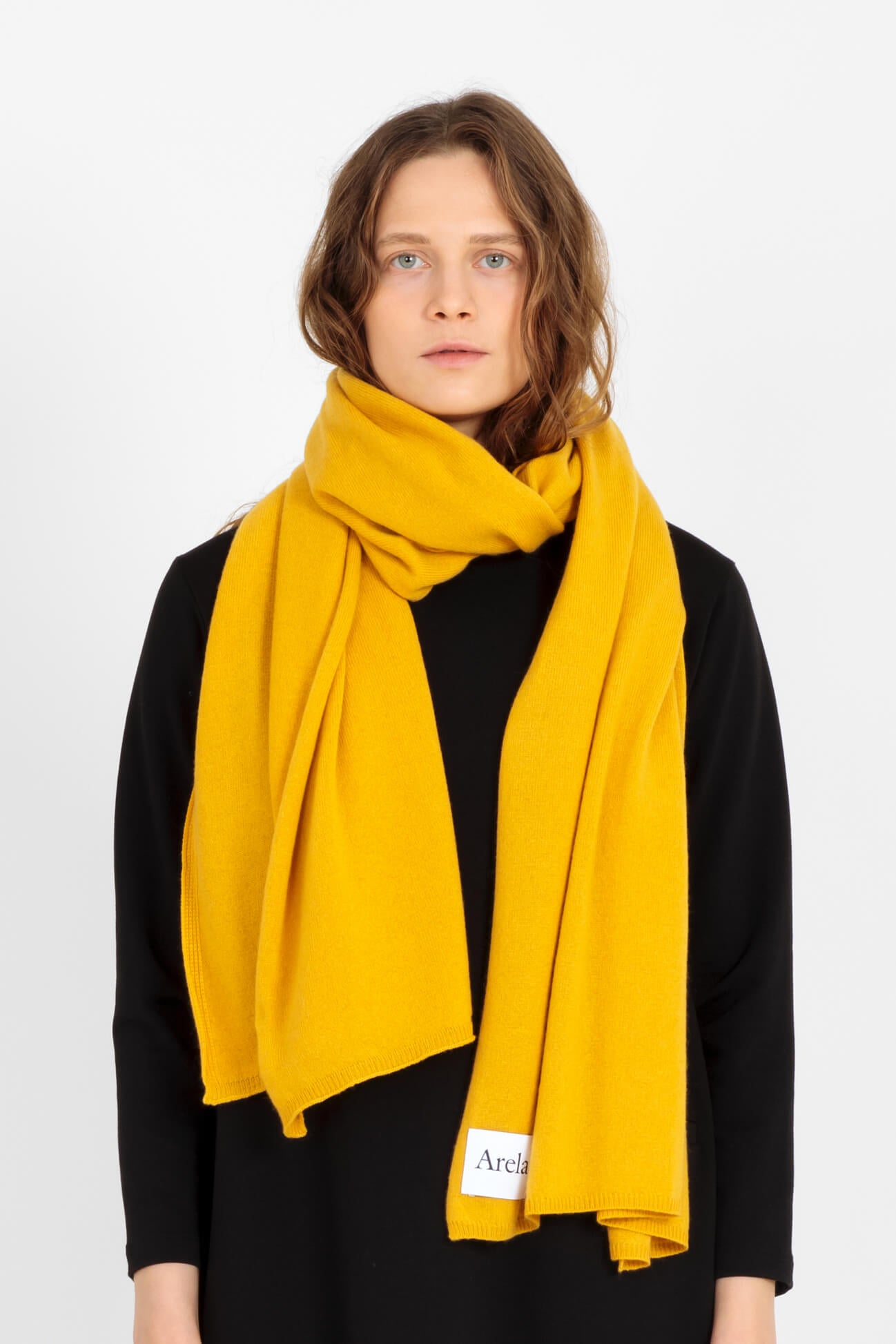 Alma cashmere scarf in yellow