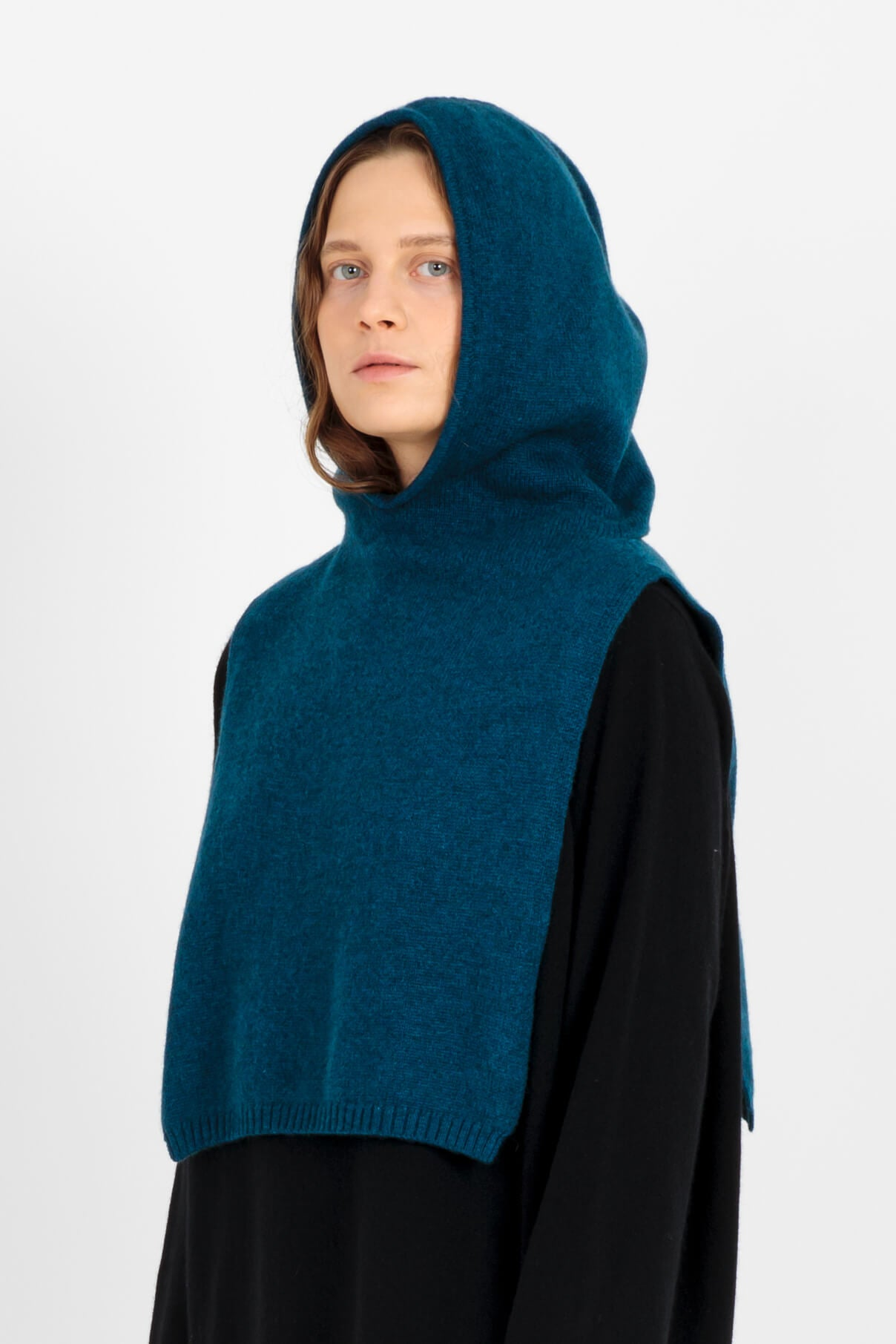 Betty cashmere coif in blue