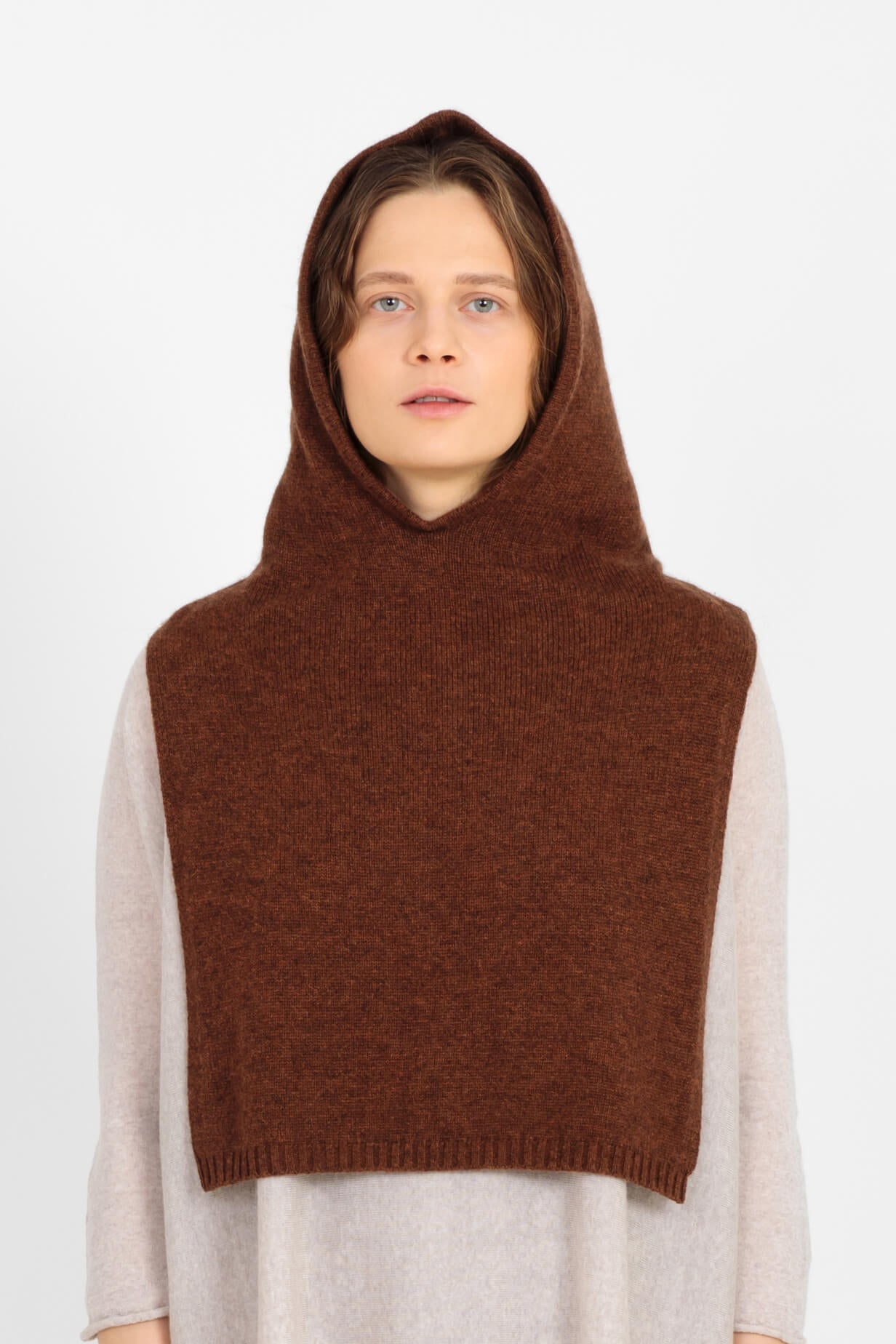 Betty cashmere coif in brown
