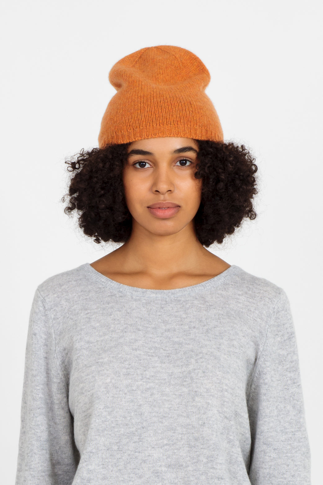 Nao cashmere beanie in rust