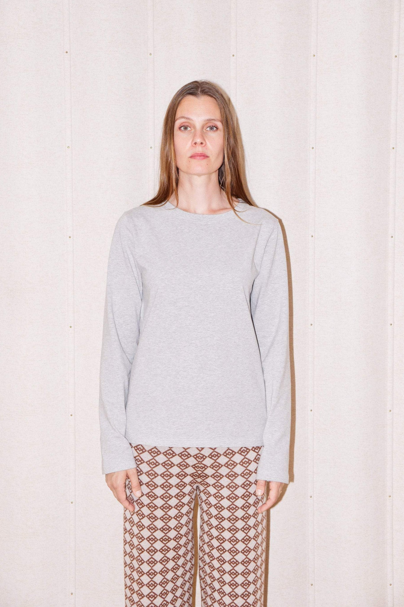 Essa long-sleeved t-shirt in grey