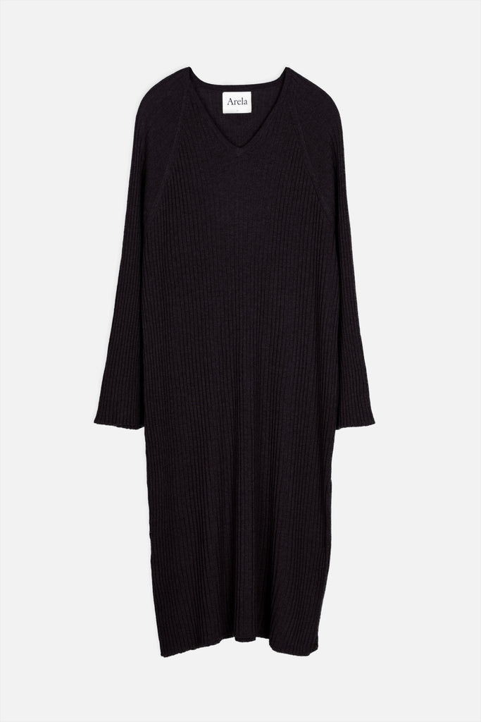 Tamuna merino kaftan dress in black