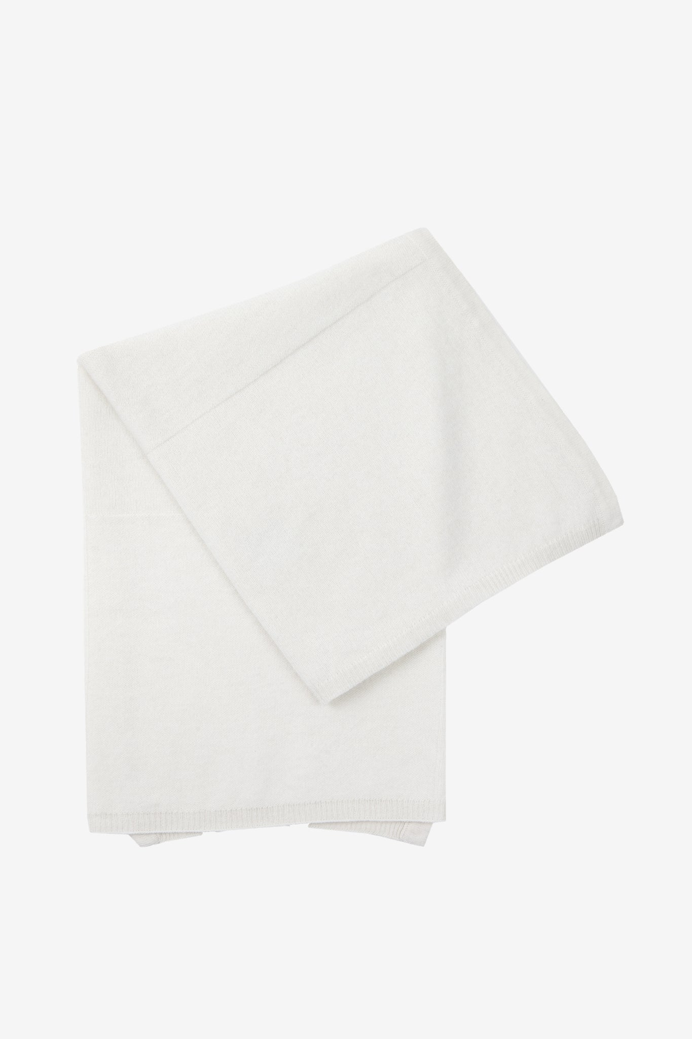 Ilta baby blanket in white