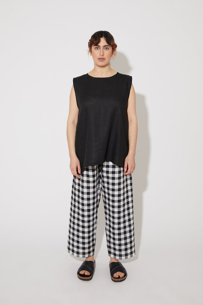 Aika sleeveless top in black linen