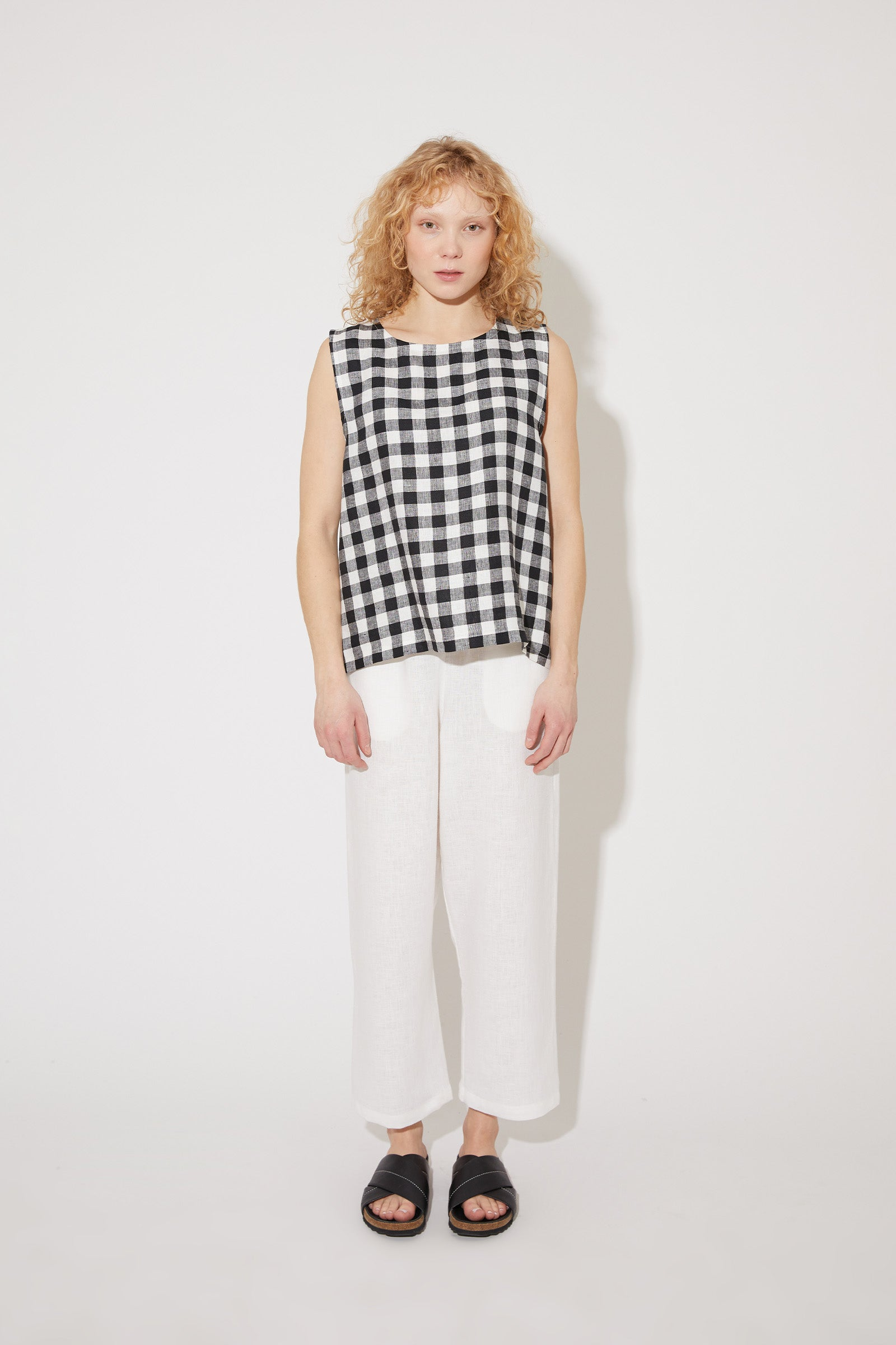 Aika sleeveless top in black-white gingham linen